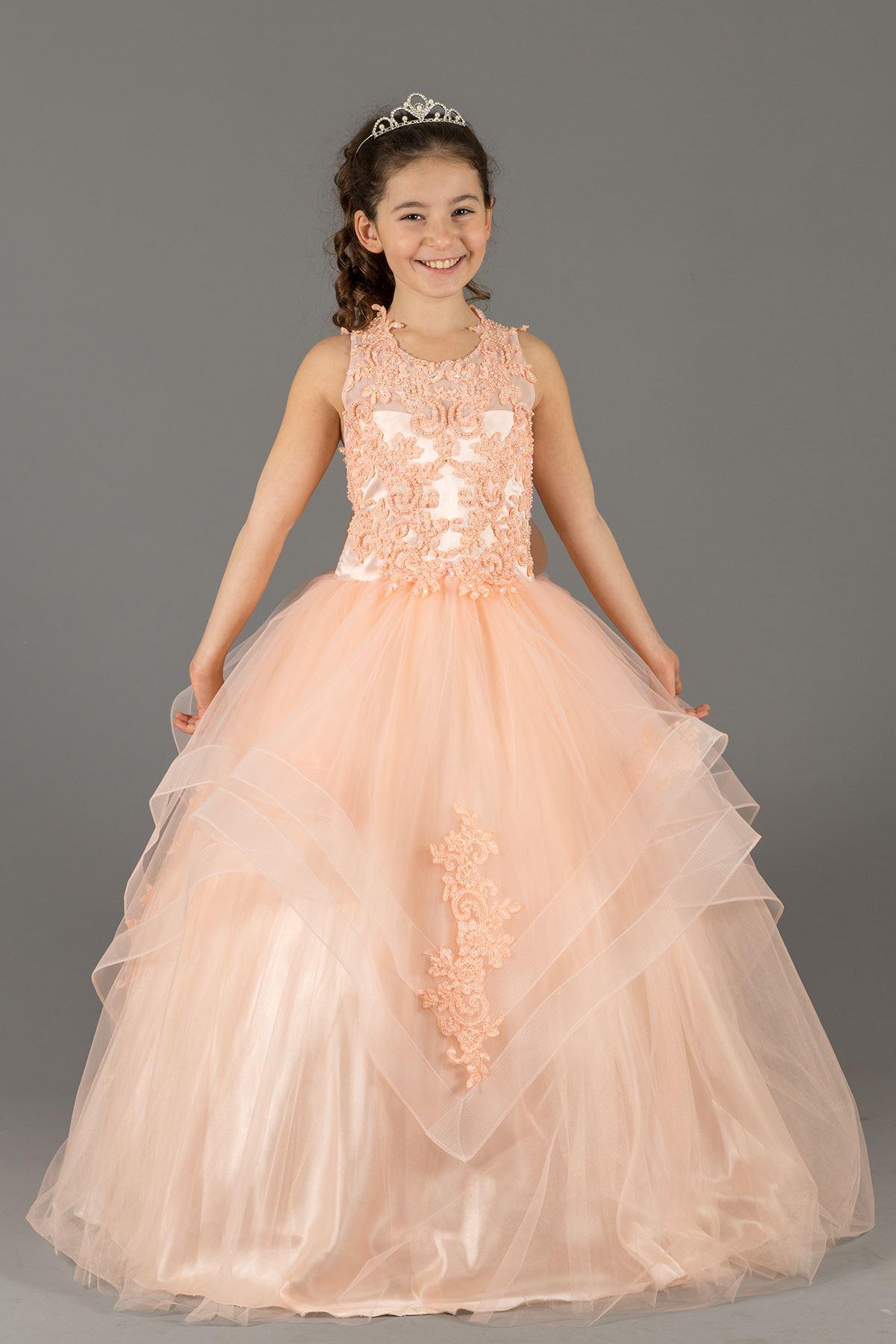 Βραδινό φόρεμα αφράτου κοριτσιού με λεπτομέρειες στρωματοειδούς φούστας και κεντημένες Εφαρμογές 578 σολομός