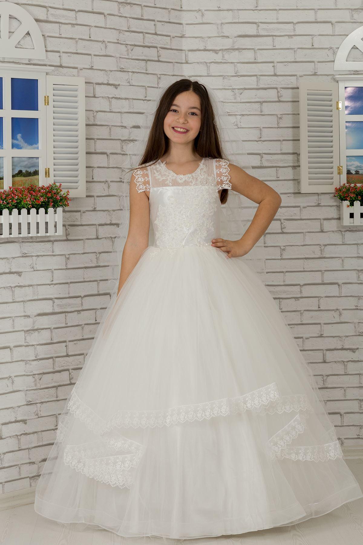 Bolyhos lány esti ruha vállrész részlet, hímzett, Tulle 601 krém