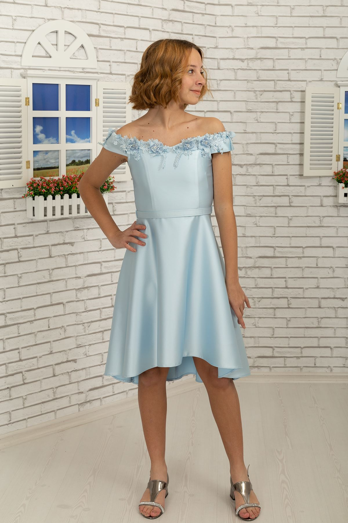 Fallen auf die Schulter Kragen detail, 3 dimensional Blume, Satin Mädchen Abendkleid 484 Hellblau