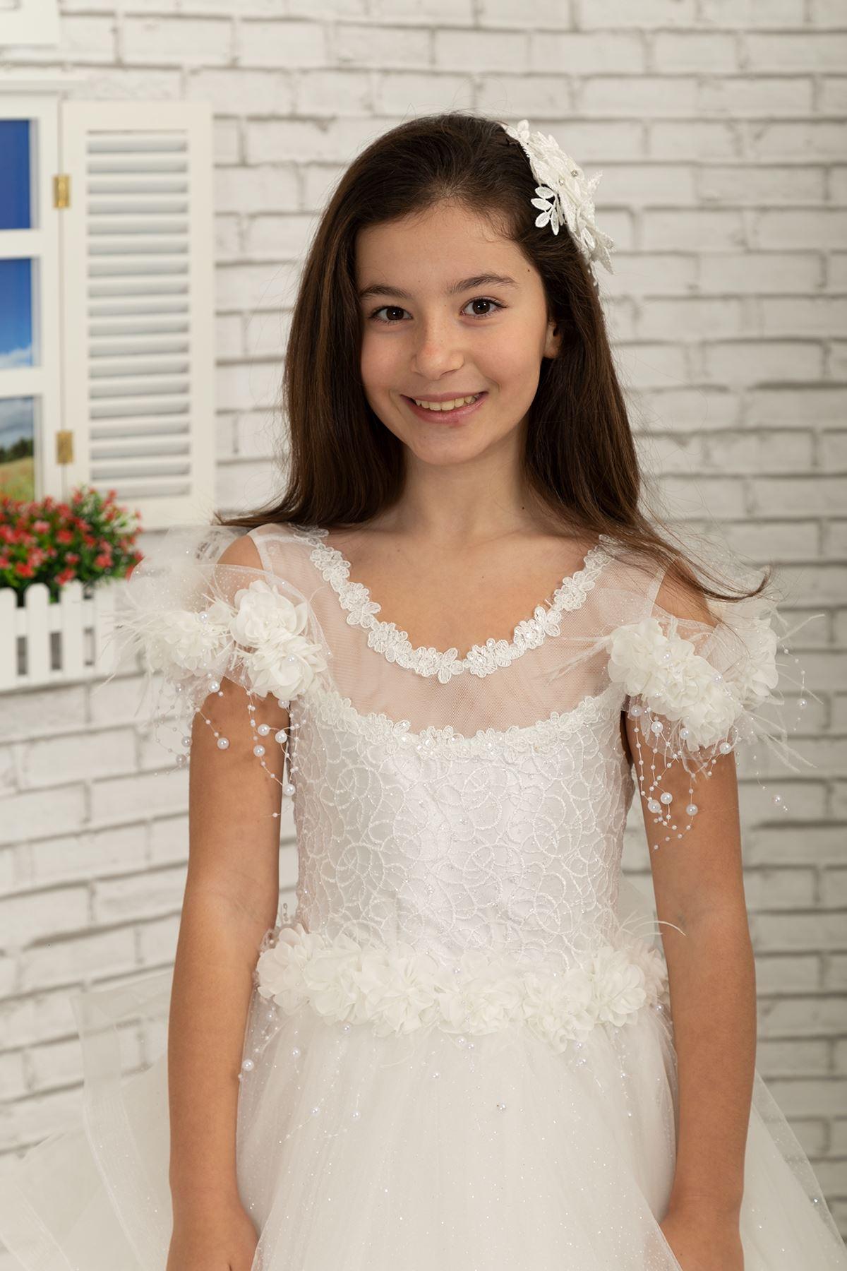 Speciální stříbřité tyl s ramenním pírkem detail, načechrané dívčí večerní šaty 633 krém