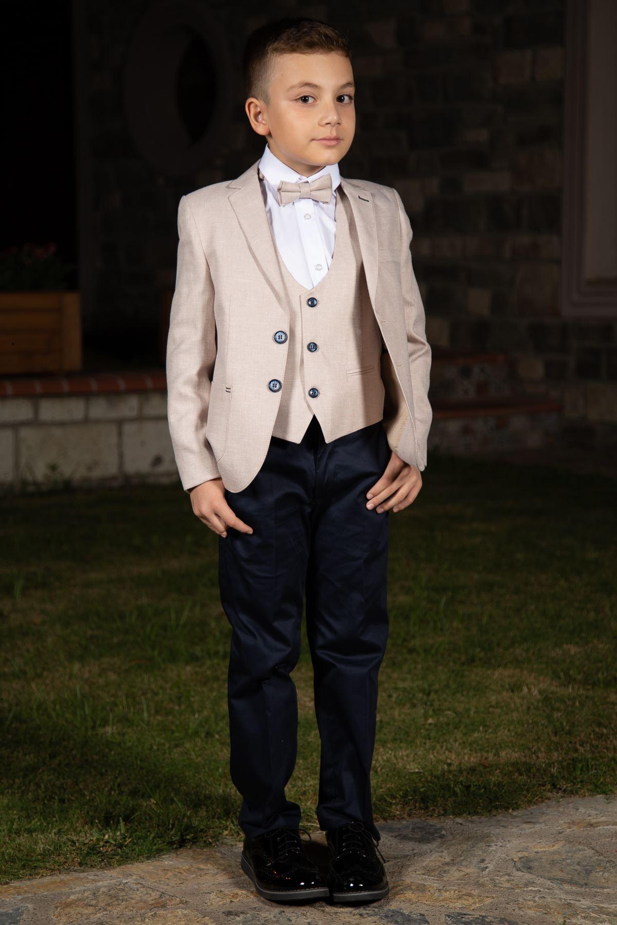 Джобна чанта, шарени шарки, моно яка, пълен комплект костюм за момче 153 Бежов